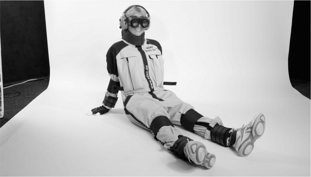 Pausierendes Model im SD&C Senior Suit Delta 2